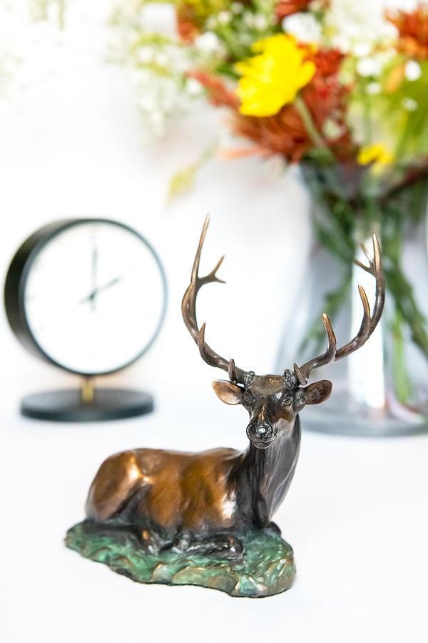deer_flowers_clock.png