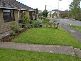 Garden front 4_1R.JPG