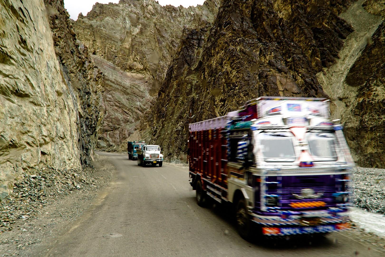 Droga. Ladakh.