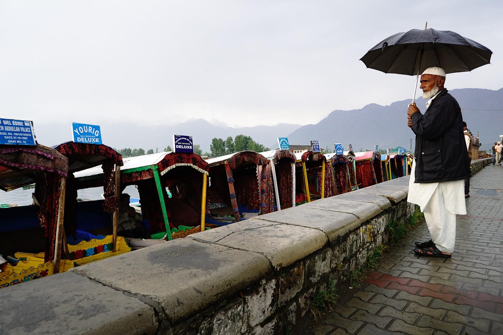 Sikary (łodzie). Srinagar. Kaszmir.