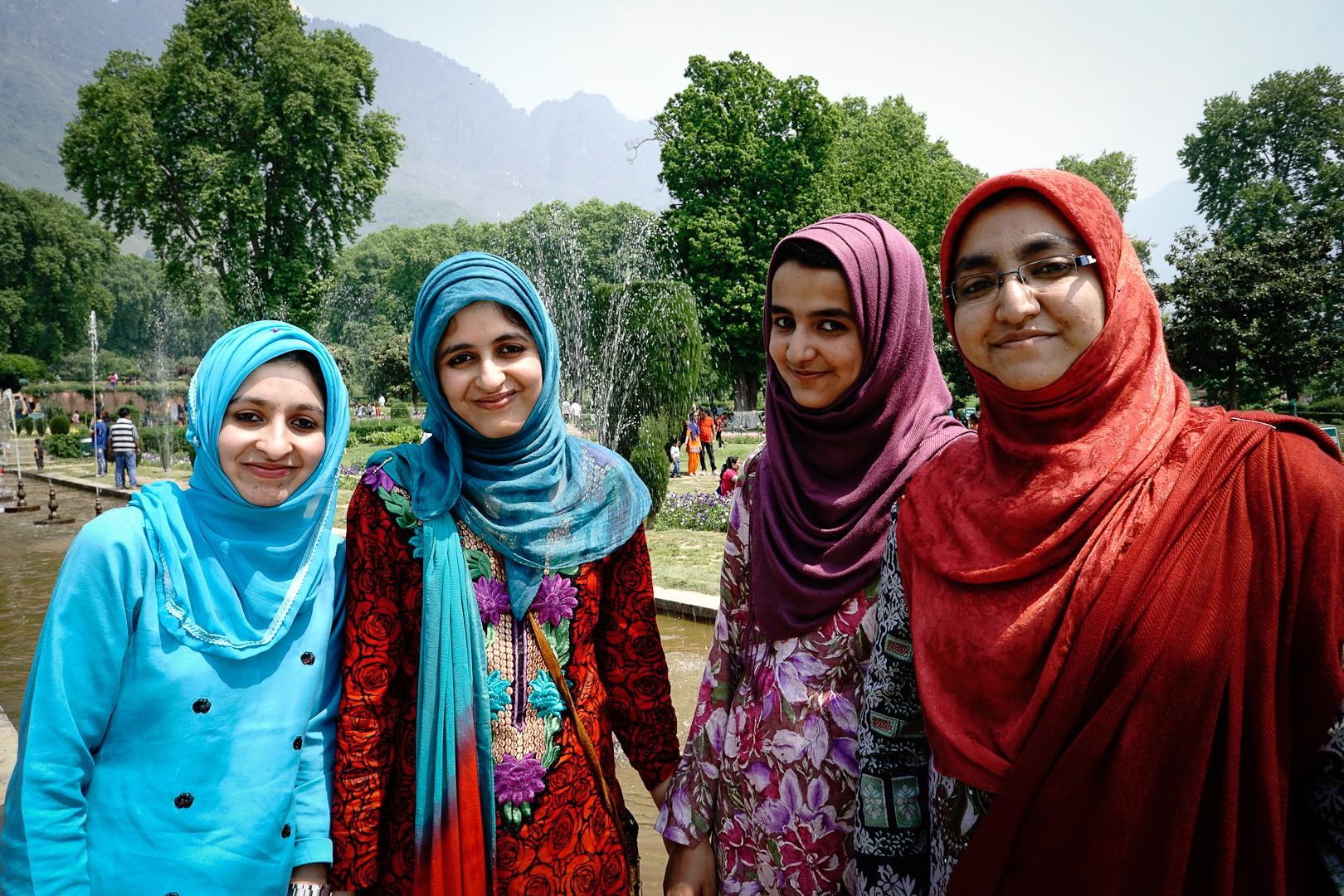 Dziewczyny. Srinagar.