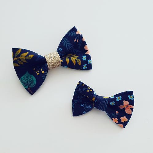 Headband petit nœud bleu fleurs corail/or - Les Noeuds de Maman