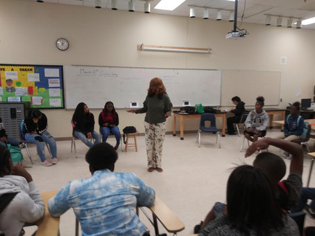 Coach Debbie Teaching Teens Mindfulness Classes