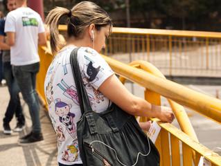 Mensagens de prevenção ao suicído foram colocadas em passarela da Rodovia Presidente Dutra.