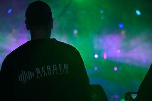 Crew Bergen lydutleie logo.jpg