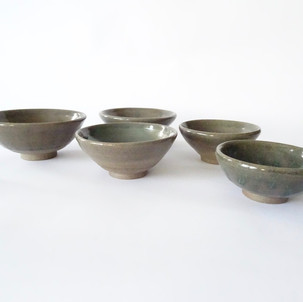 Set of 5 small bowls