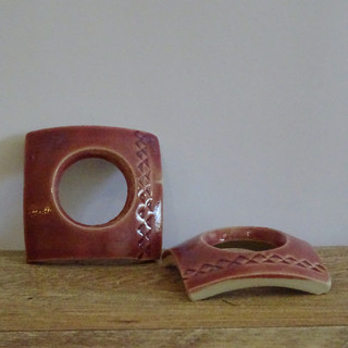 Egg cup Maroon