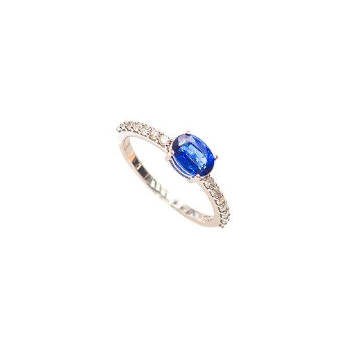 Anel com Cianita Blue oval e brilhantes