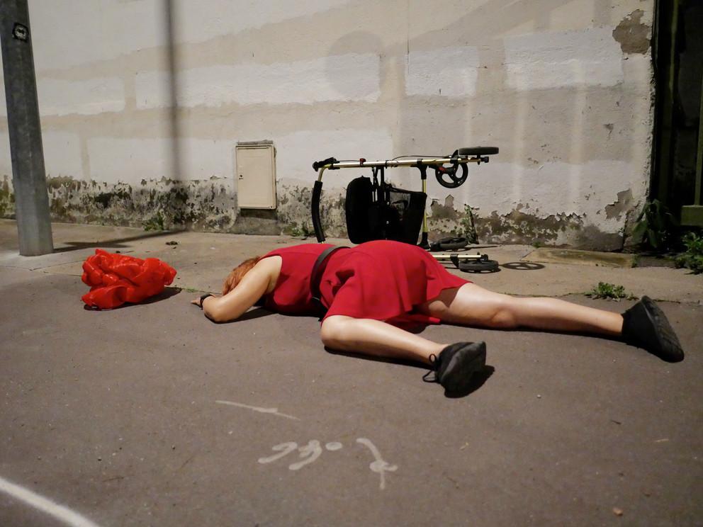 dead woman photos _ Pierre Acobas..jpg