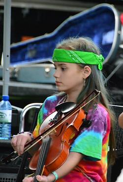 Hannah Tye Die fiddle.png