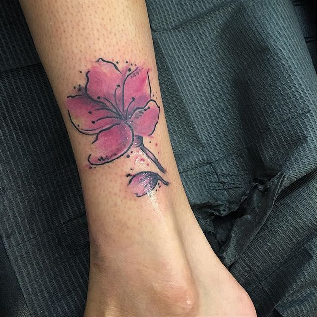 #cherryblossomtattoo #cherryblossom #tattooideas #ladytattooer #ladyluck #ladyluck608 #watercolor #w