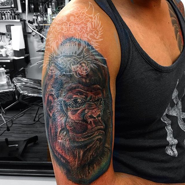One more again for the awesome #harambe #monkey #animaltattoo #mainstreetboontonnj #bdts #beardeddra