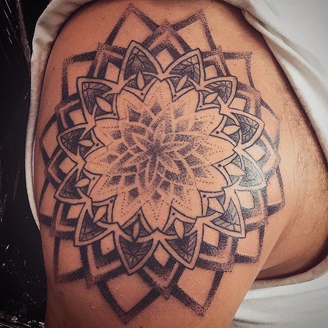 #mandala #blackandgray  #stippling #art #tattooart #stipplingtattooArt #shouldertattoo #secondsessio
