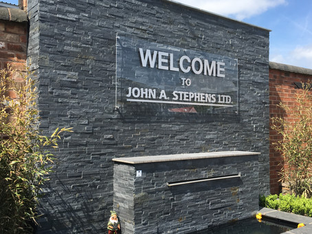9 Reasons To Like Our Outdoor Signage