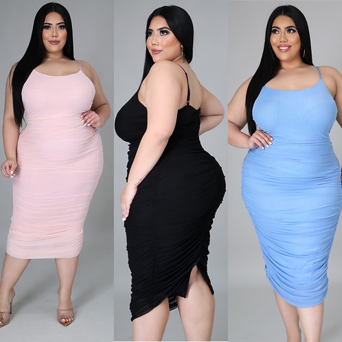 "The ""Love it"" Dress(Plus)"