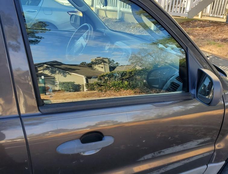 repaired car door glass.jpg