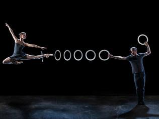 ЦИРК И БАЛЕТ: жонглирующие танцоры