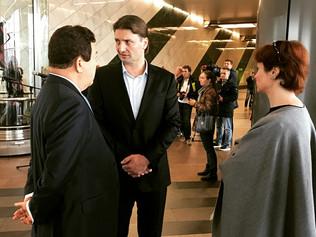 И.Кобзон  и Э.Запашный открыли выставку цирковых костюмов в Московском метро