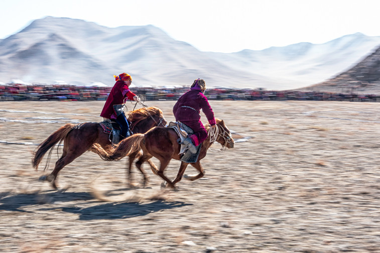 Beat the husband competetion in Mongolia