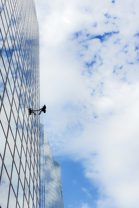 Window cleaner on highrise
