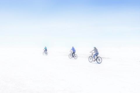 Crossing the Salar de Uyuni