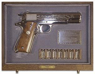 Elvis Colt 45 wwii-handgun---gift-to-nix