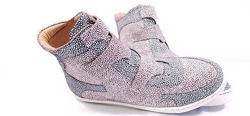 AMIAT-Stingray-Sneaker-Pic1.png