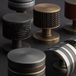 Fine antique brass woven knob