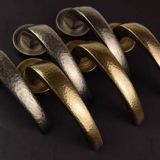 Hammered metal bridge in brass and vintage nickel
