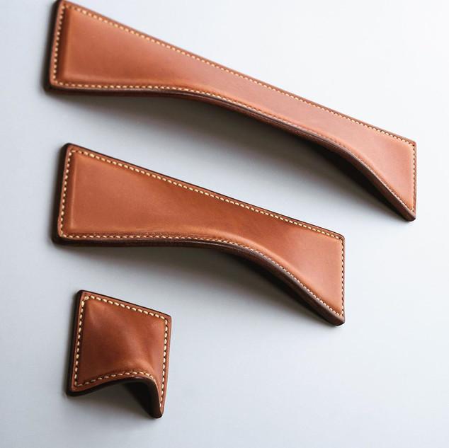 Tan leather Saville wave