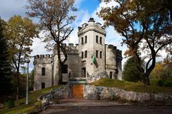 Visit Glehn Castle (and park)