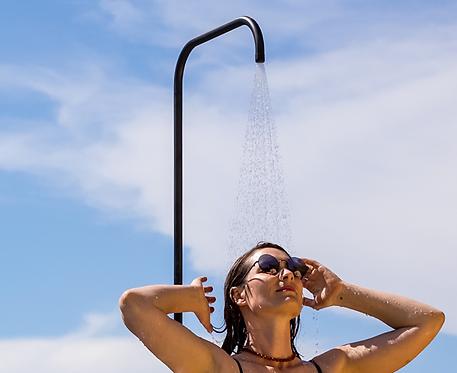 Minimalist outdoor shower