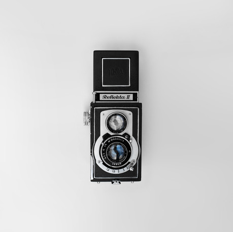 gray-and-black-raketa-2-trail-camera-821