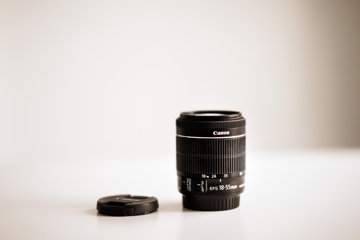 dark-lens-blur-zoom-4083659.jpg