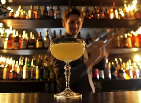 40 Signs you are a bad bartender...