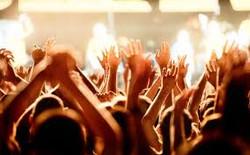 お祭り、ライブ、電車内
