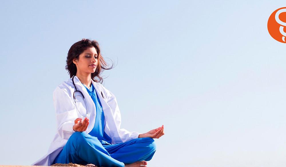 Médico meditación