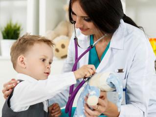 Encuentra el equilibrio entre ser doctora y madre en tiempos difíciles