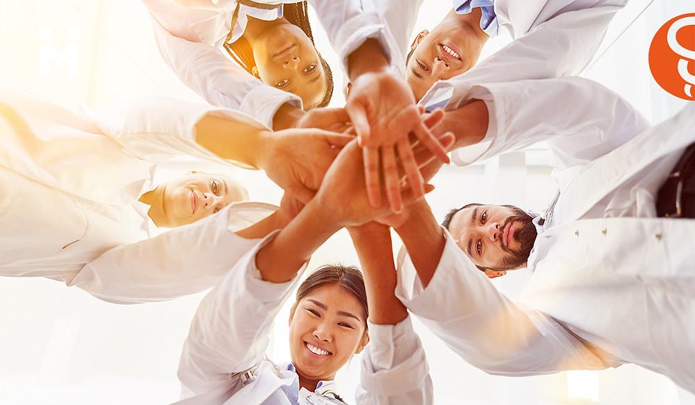Médicos orgullosos
