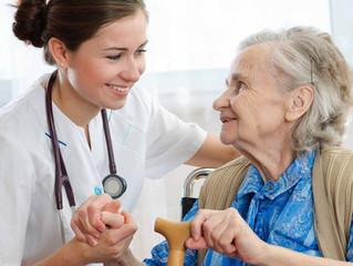 ¿Cómo interactuar con pacientes mayores?