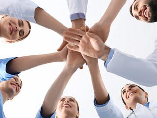 ¿Cómo mejorar la confianza laboral dentro del consultorio médico?