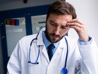 ¿Como reducir el estrés laboral de la práctica médica?