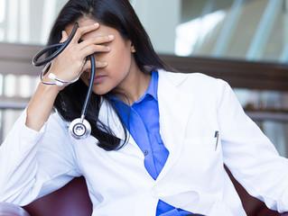 ¿Se puede negar la atención médica a pacientes no vacunados?
