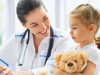 Confidencialidad y consentimiento médico requerido para consultas a menores de edad