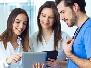 ¿Cómo generar ganancias siendo médico influencer?