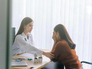 ¿Cómo tratar con pacientes alterados que llegan a emergencias?