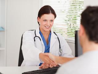 5 tips para que un líder médico pueda delegar tareas de forma más efectiva a sus colaboradores