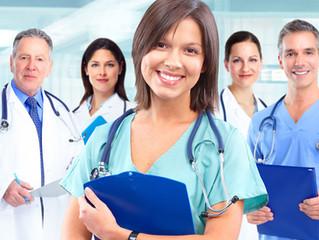¿Cuál es el salario o beca promedio que recibe un médico residente en México?