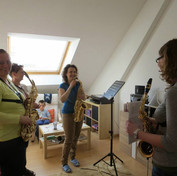 A fun session of saxophone ensemble coaching