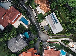 Veduta aerea di case di lusso
